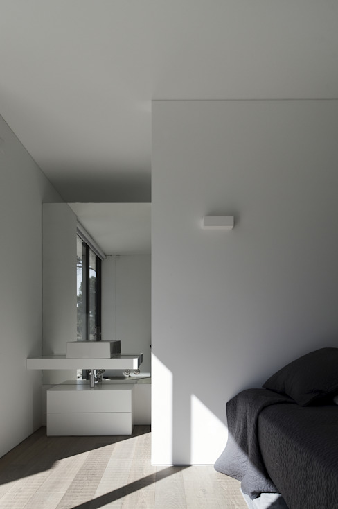 Bedroom by RRJ Arquitectos, Modern