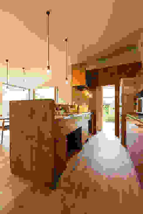 大きな一枚屋根の下で エヌ スケッチ モダンな キッチン