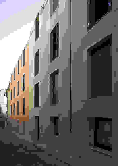 Casas de estilo moderno de RRJ Arquitectos Moderno