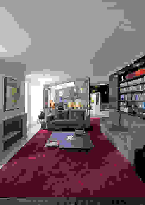 Salones de estilo moderno de RRJ Arquitectos Moderno