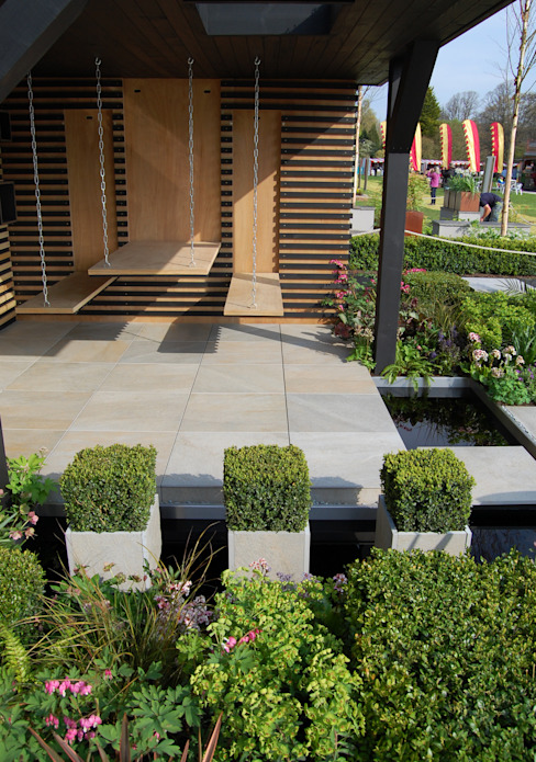 RHS Cardiff 2015 Modern garden by Best4hedging Modern