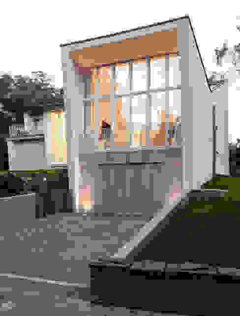 Modern Houses by Bachmann Badie Architekten Modern