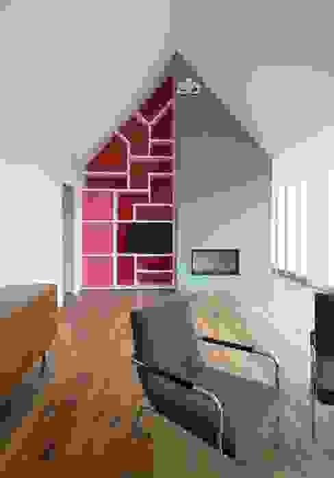 Bachmann Badie Architekten Modern living room
