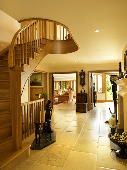 La Belle Vue Classic style corridor, hallway and stairs by CCD Architects Classic