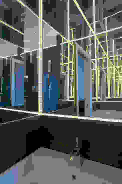 CASA DN, Napoli 2012 Bagno moderno di x-studio Moderno