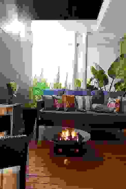 Casa AP+VP: Jardins de inverno  por ANDRÉ PACHECO ARQUITETURA