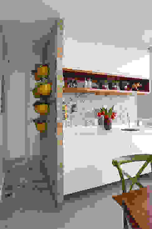 Duda Senna Arquitetura e Decoração 陽台、門廊與露臺 配件與裝飾品