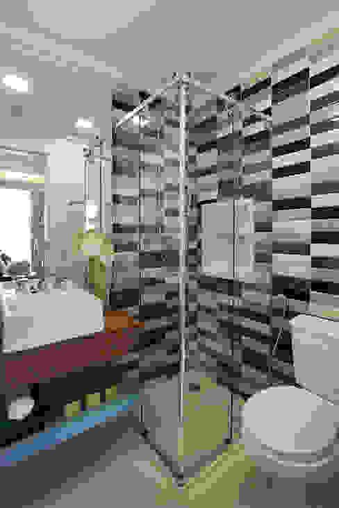 Eclectic style bathroom by Duda Senna Arquitetura e Decoração Eclectic
