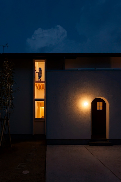 Classic style houses by 宇佐美建築設計室 Classic