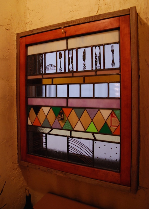 Rainbow panel /after: contemporary glass nidoが手掛けた折衷的なです。,オリジナル