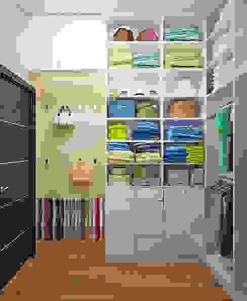 Студия дизайна Interior Design IDEASが手掛けたウォークインクローゼット