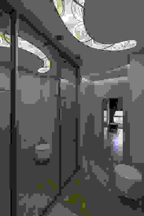 Климт. Коридор, прихожая и лестница в эклектичном стиле от In/De/Art Эклектичный