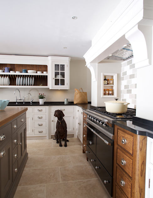 Nickleby | Felsted | Bespoke Classic Contemporary Kitchen Кухня в классическом стиле от Humphrey Munson Классический
