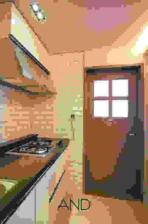 Modern Dining Room by 앤드컴퍼니 Modern