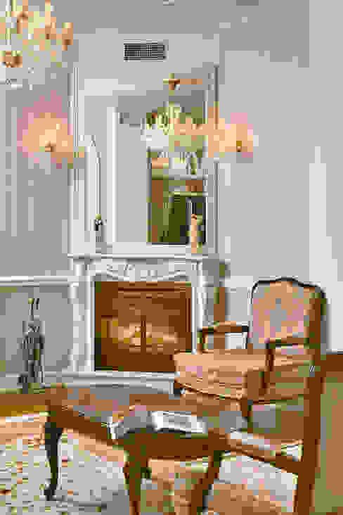 D&T Architects Salones de estilo clásico