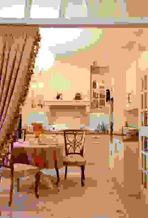 Цвета чайной розы: Кухни в . Автор – D&T Architects, Классический