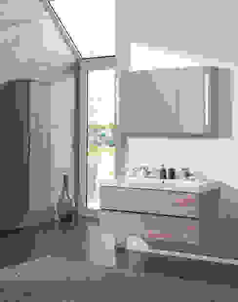 Scandinavian style bathroom by F&F Floor and Furniture Scandinavian