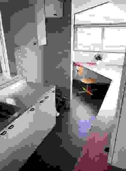 Kitchen by 加藤將己/将建築設計事務所
