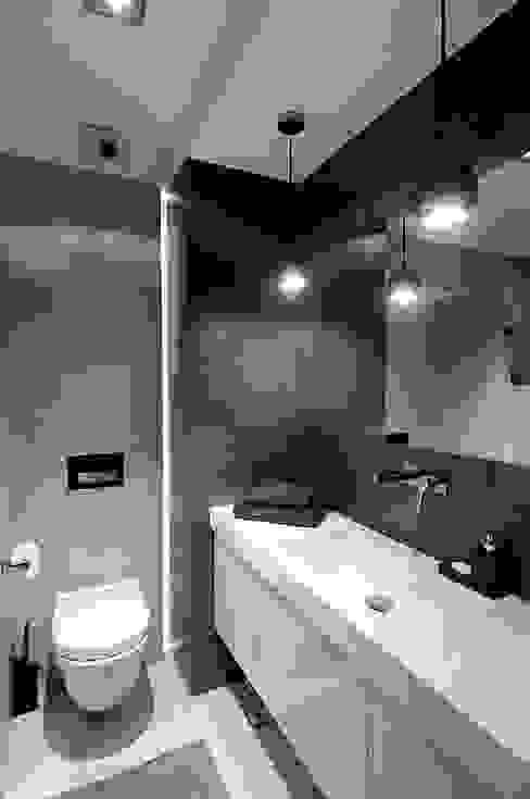 Salle de bains de style  par ARTEMA  PRACOWANIA ARCHITEKTURY  WNĘTRZ , Moderne