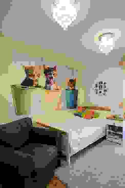 Beton udomowiony – czyli nowoczesne mieszkanie w Krakowie. Nowoczesny pokój dziecięcy od ARTEMA PRACOWANIA ARCHITEKTURY WNĘTRZ Nowoczesny