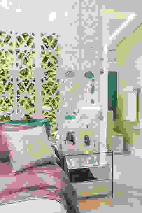 Apartamento da Jovem Artista Patrícia Hagobian Interiores Quartos modernos