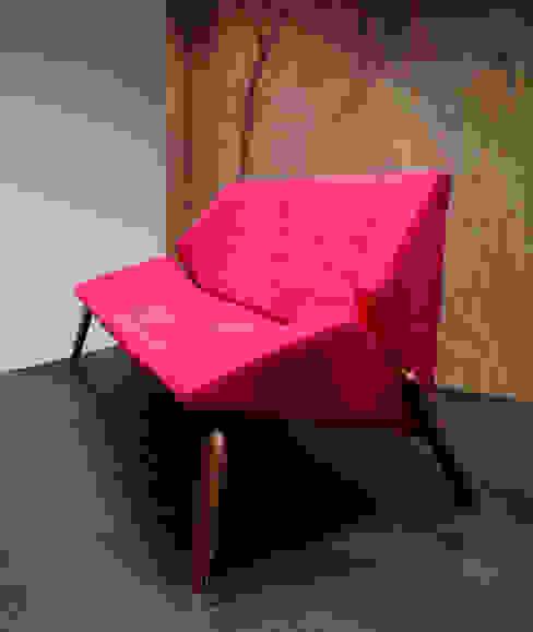 Centros de exposiciones de estilo moderno de Alcyone Design Moderno