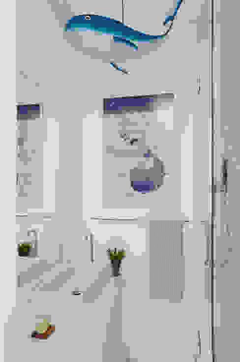 Modern Bathroom by andre piva arquitetura Modern