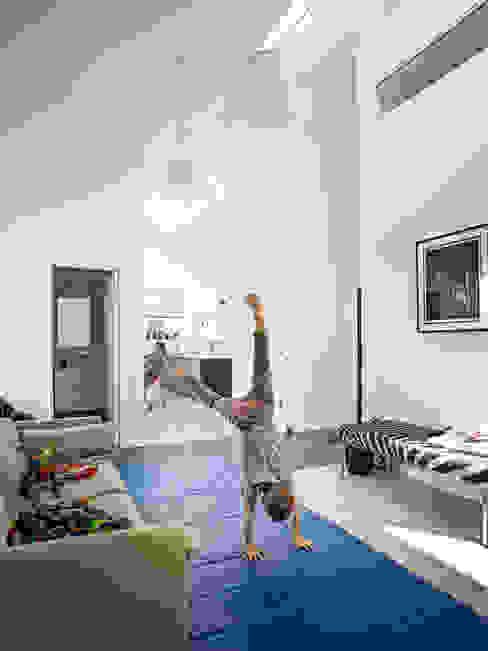 Villa G 스칸디나비아 아이방 by C.F. Møller Architects 북유럽 우드 우드 그레인
