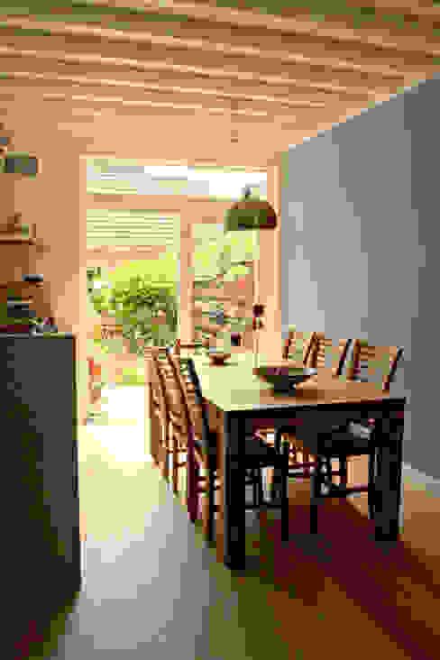 eetkamer: modern  door PIER architecten, Modern