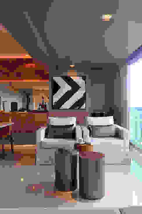 Terrazas de estilo  de Spinola+Carvalho Arquitetura,