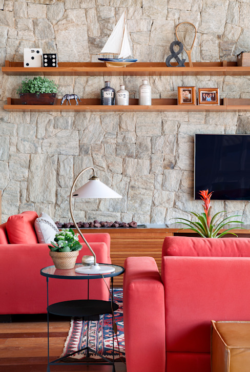Country style living room by sadala gomide arquitetura Country