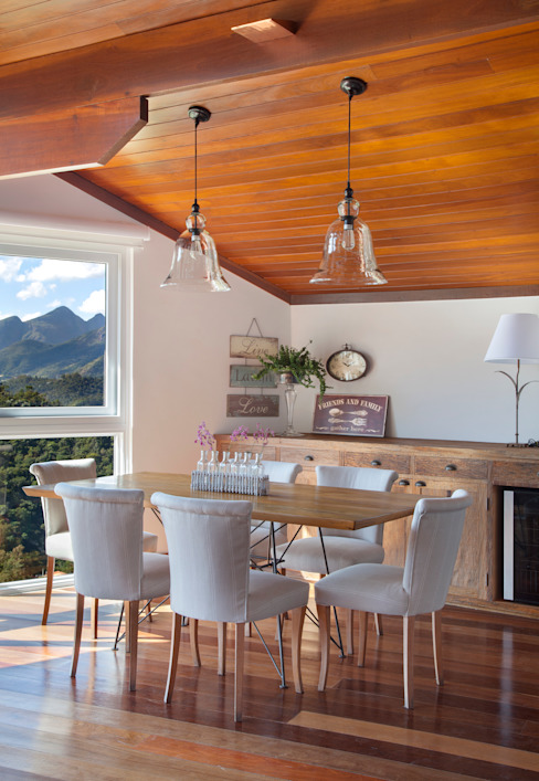 Country style dining room by sadala gomide arquitetura Country