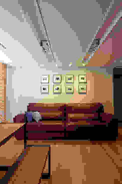 새아파트 분위기 바꿔주기 전주 서희스타힐스 아파트 모던스타일 거실 by 디자인투플라이 모던