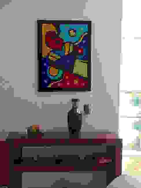 modern  by Bianca Monroy, Modern