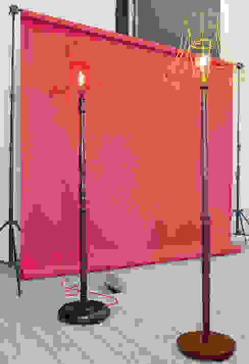 Skeleton Floor Lamps od Donna Walker Design Eklektyczny