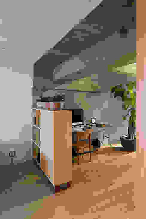 松島潤平建築設計事務所 / JP architects ห้องนั่งเล่น