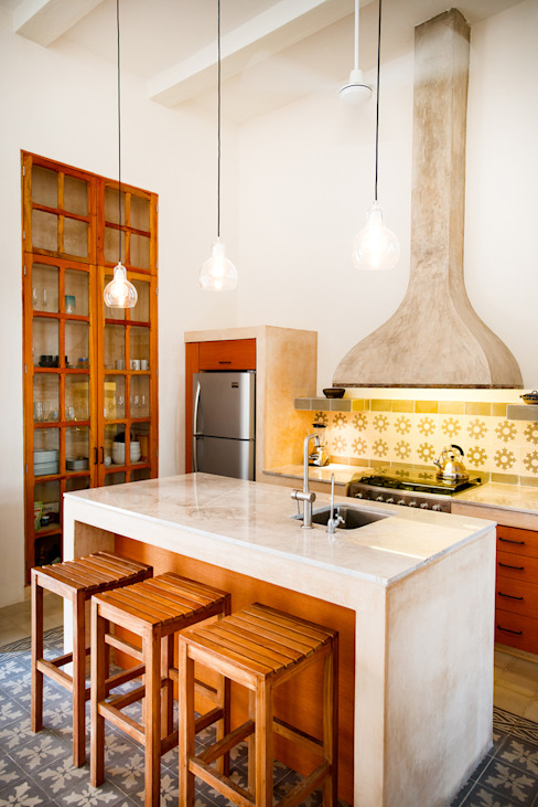Kitchen by Taller Estilo Arquitectura,