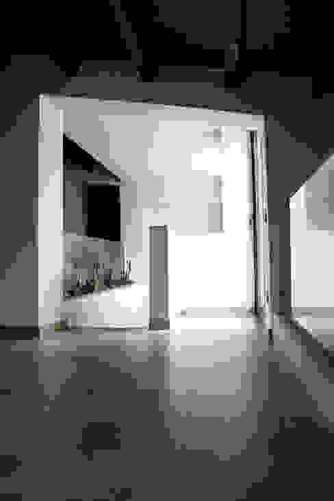 Residenza privata 4 Ingresso, Corridoio & Scale in stile moderno di Ignazio Buscio Architetto Moderno