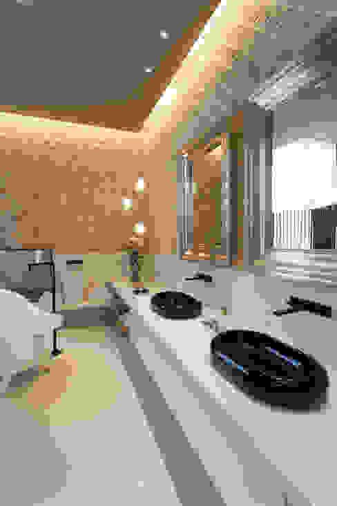 Loft do Casal Banheiros modernos por Denise Barretto Arquitetura Moderno