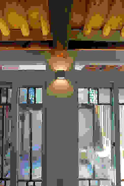 인테리어: 라이프인스탈로의  창문,모던