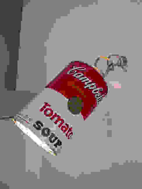 lampada a parete di Laura Canonico Architetto Eclettico