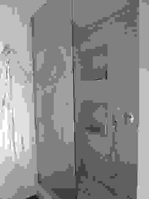 Appartamento a Milano Bagno moderno di Karin Künzli Moderno