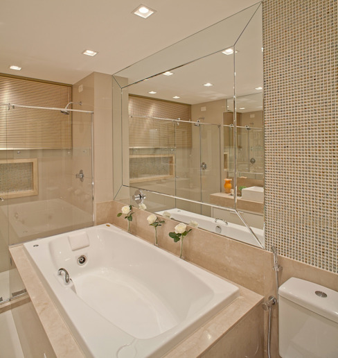 Clássico ao Luxo Banheiros minimalistas por Mariane e Marilda Baptista - Arquitetura & Interiores Minimalista