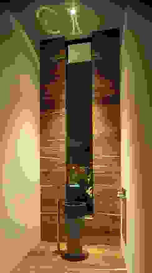 Casa CG: Baños de estilo  por GLR Arquitectos, Moderno