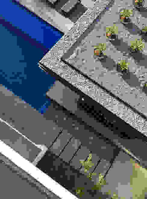 Jardines de estilo  por GLR Arquitectos , Moderno