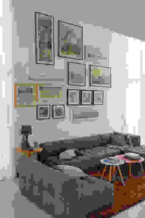 Salones modernos de POCHE ARQUITETURA Moderno