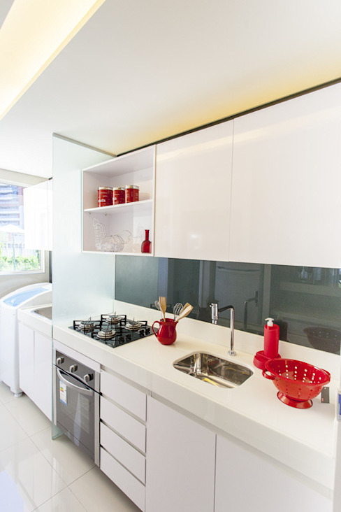 Cucina moderna di POCHE ARQUITETURA Moderno