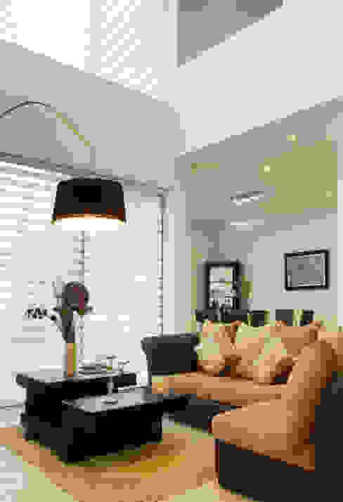 Vista Interior- Sala Livings modernos: Ideas, imágenes y decoración de homify Moderno