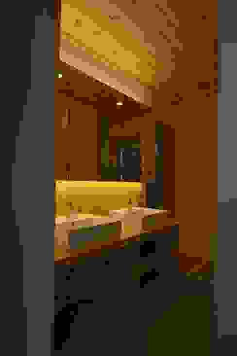 Taketoyo U House オリジナルスタイルの お風呂 の 木の家株式会社 オリジナル