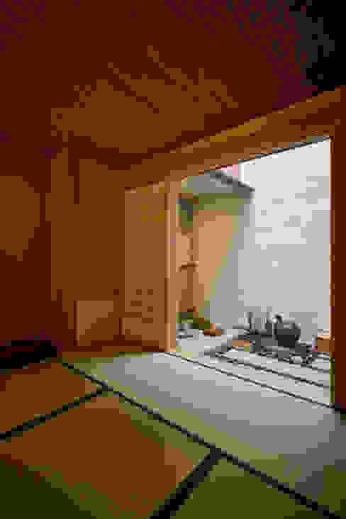 寄席 株式会社吉川の鯰 クラシックデザインの ダイニング